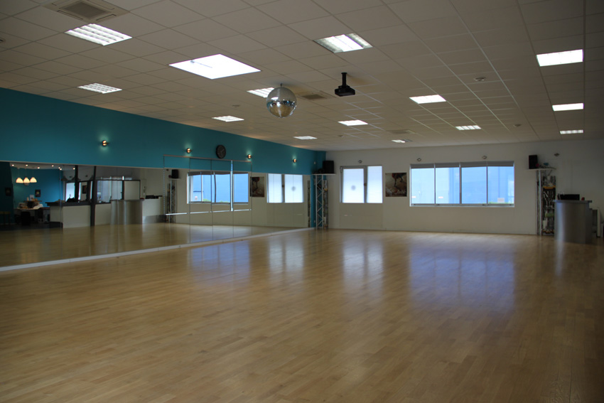 Atlantic danse club nantes l 39 cole de danse for Danse de salon nantes